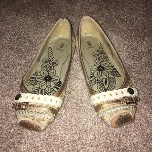 Baker Flats in gold size 7